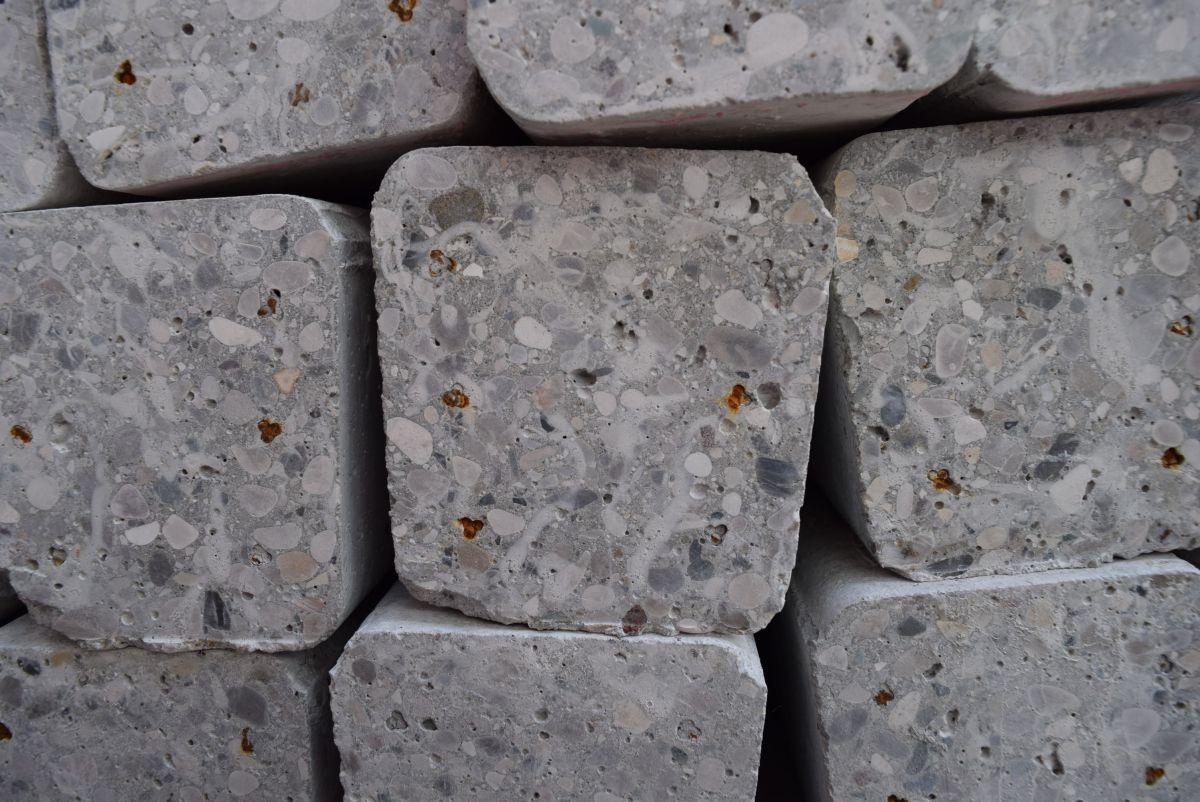 concrete pile 47m 8x12 18 wires